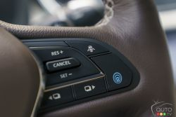 Features on the steering wheel