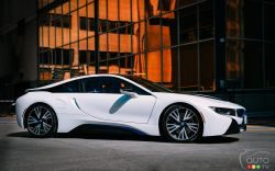 Side view of the BMW i8