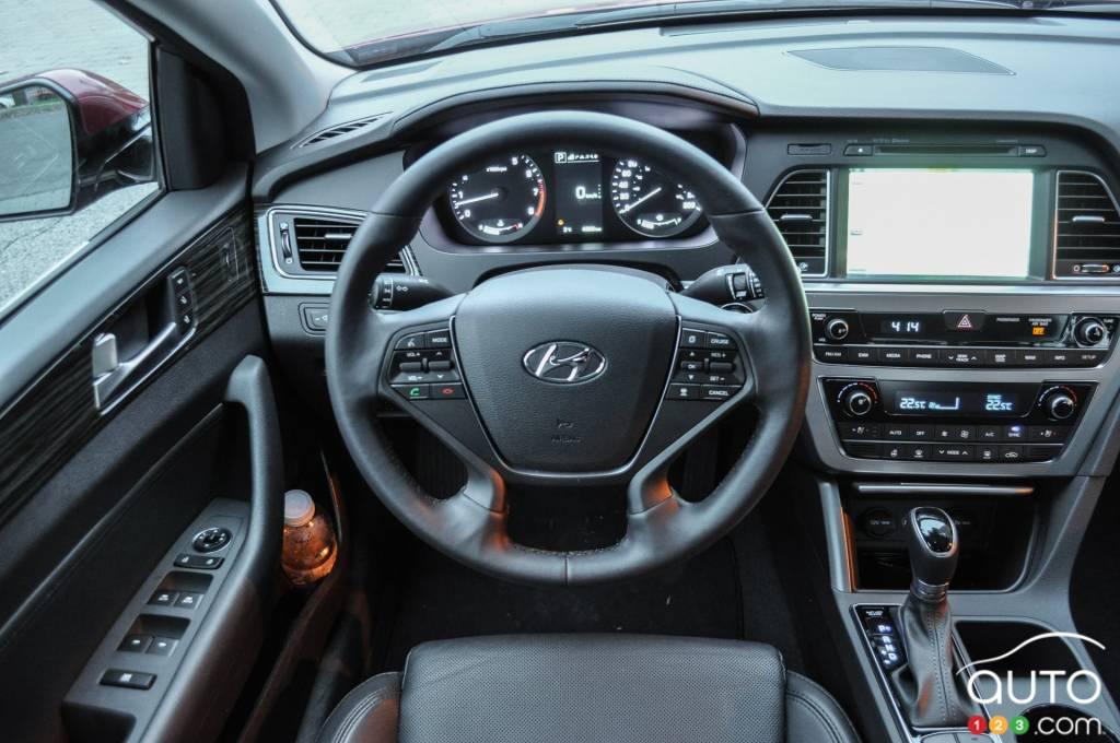2015 hyundai sonata limited review editor 39 s review car reviews auto123. Black Bedroom Furniture Sets. Home Design Ideas