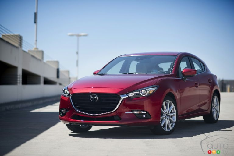 2017 Mazda3 pictures