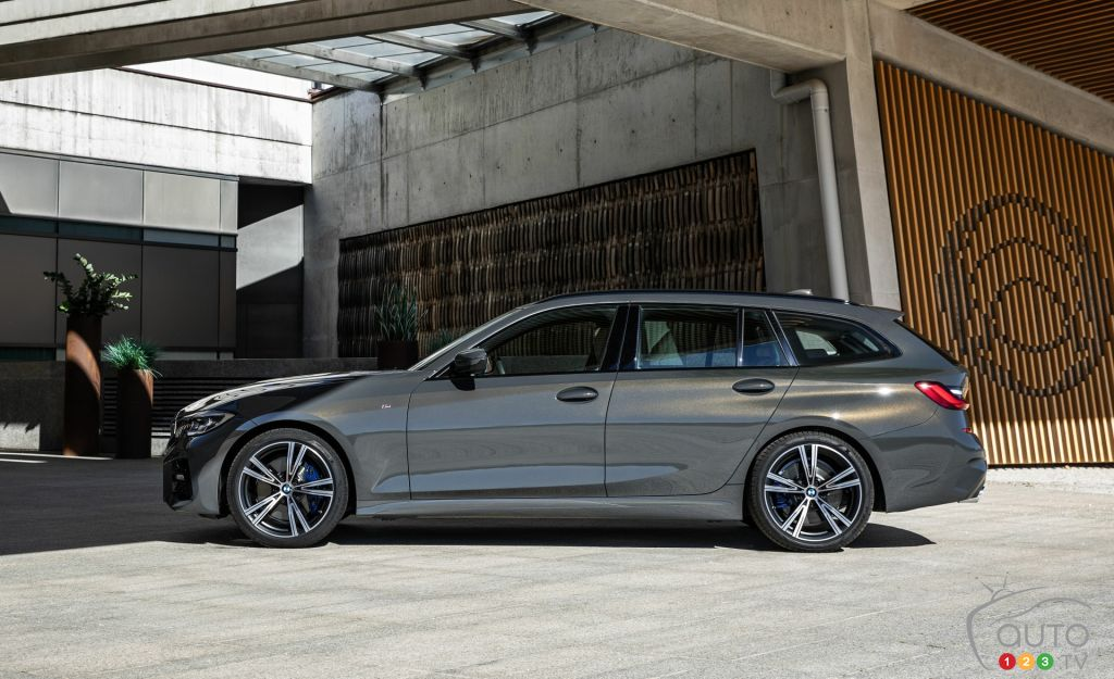 Bmw Unveils The 2020 3 Series Wagon We Won T Get In Canada Car News Auto123
