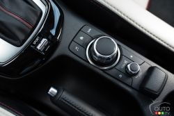 2016 Mazda CX-3 GT infotainement controls