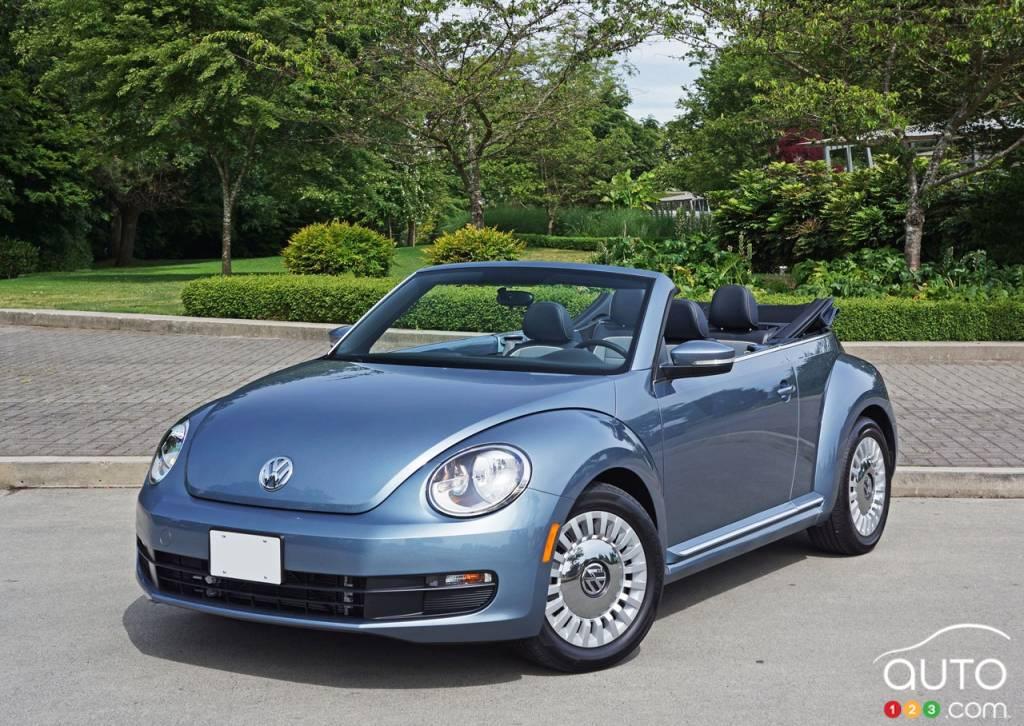 la volkswagen beetle denim 2016 comme des jeans 4 roues actualit s automobile auto123. Black Bedroom Furniture Sets. Home Design Ideas