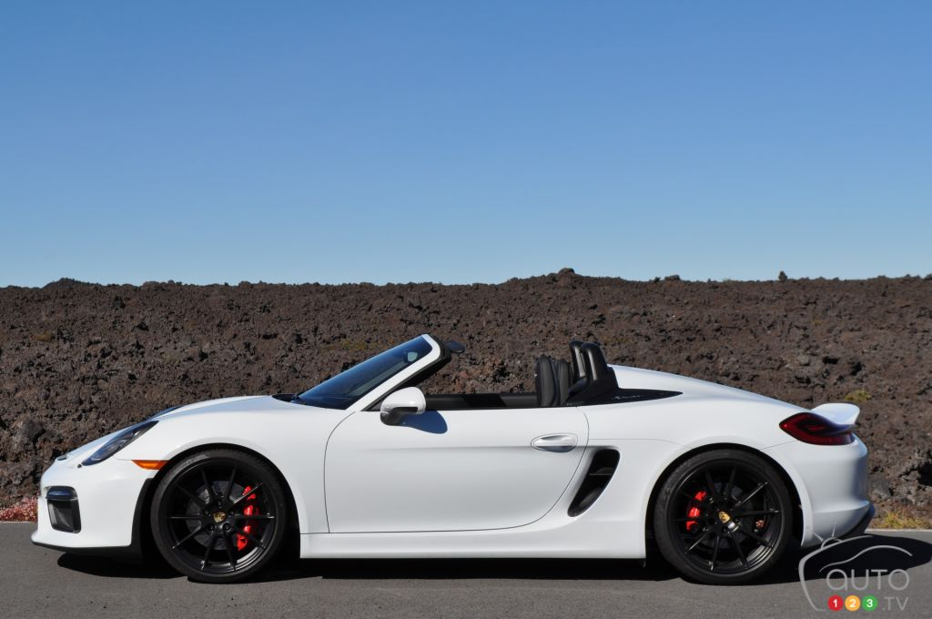 2016 porsche boxster spyder first drive car reviews auto123. Black Bedroom Furniture Sets. Home Design Ideas