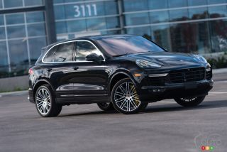 2016 Porsche Cayenne Turbo S pictures