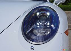 2017 Porsche 911 Carrera 4s headlight