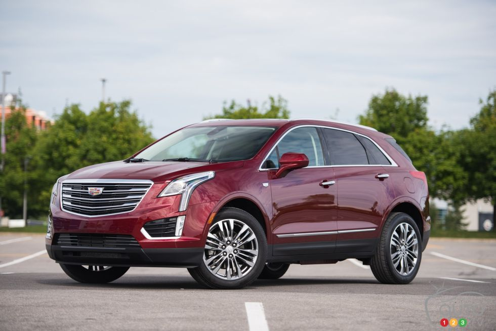 2016 cadillac xt5 pictures auto123. Black Bedroom Furniture Sets. Home Design Ideas