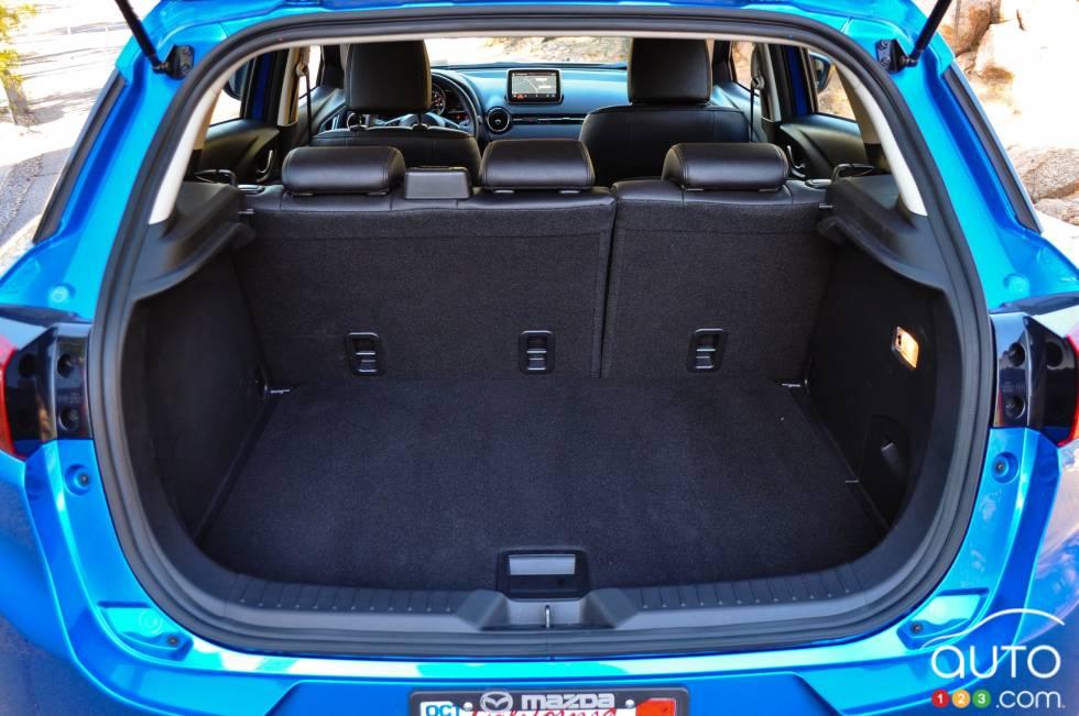 photos de la mazda cx 3 2016 auto123. Black Bedroom Furniture Sets. Home Design Ideas