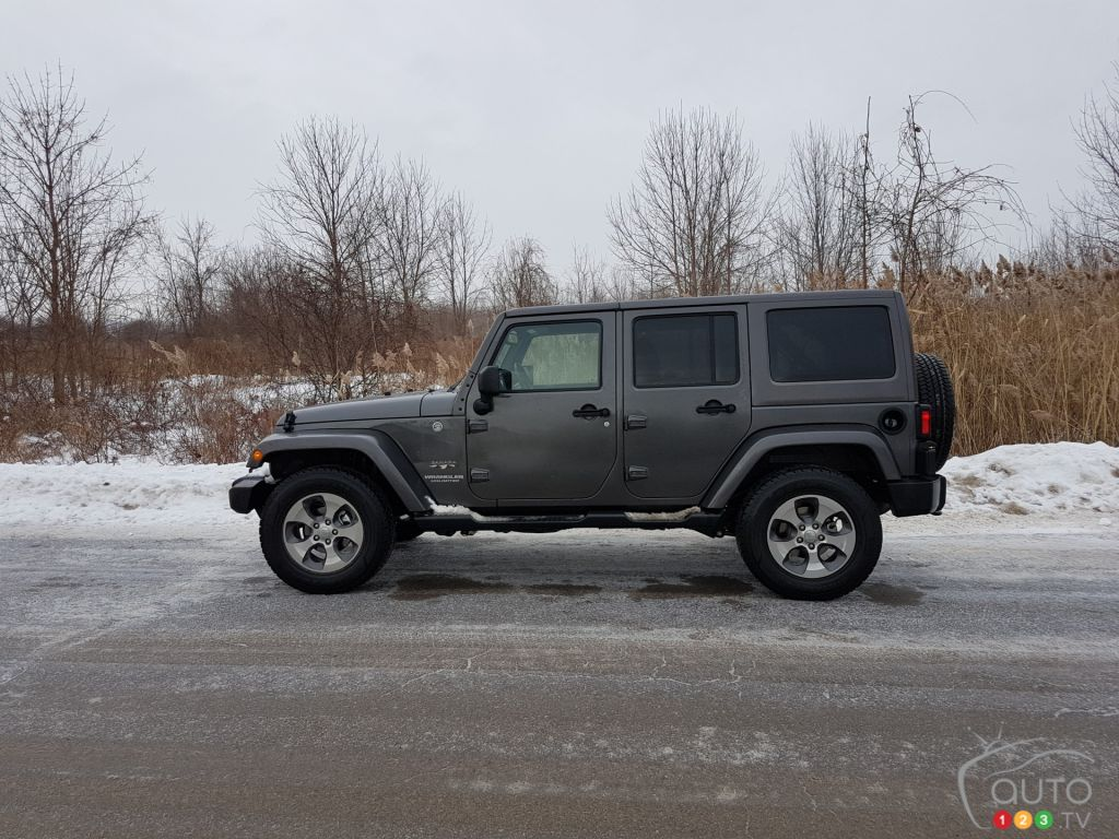 Jeep In Snow >> A Jeep Wrangler In Winter What S That Like Car Reviews Auto123