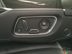 2016 Cadillac CT6 rear center armrest with cup holders