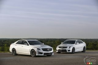 2017 Cadillac CTS-V super sedan and 2017 Cadillac ATS-V Sedan pictures