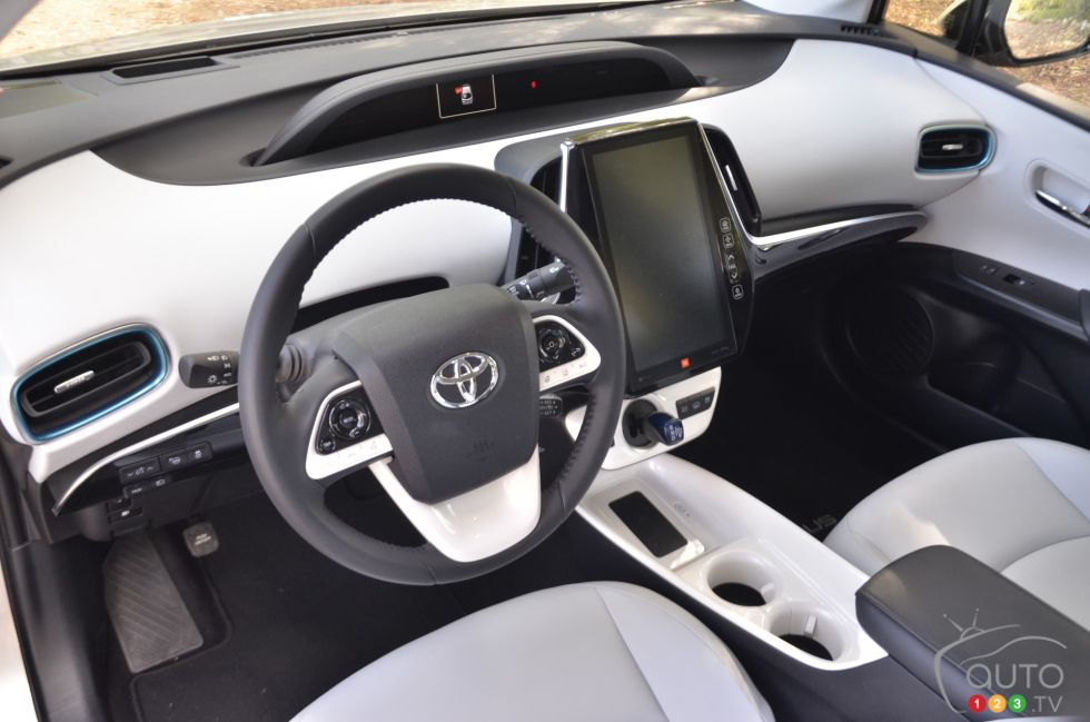 voitures de toyota pour 2017 auto123. Black Bedroom Furniture Sets. Home Design Ideas