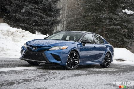 2020 Toyota Camry AWD pictures