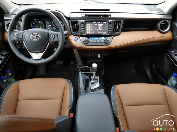 toyota rav4 et rav4 hybride 2016 auto123. Black Bedroom Furniture Sets. Home Design Ideas