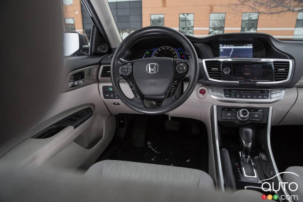 photos de la honda accord hybride rechargeable 2014 auto123. Black Bedroom Furniture Sets. Home Design Ideas