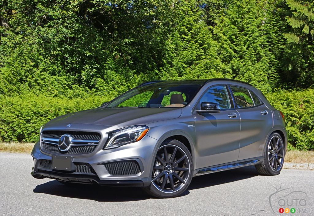 2016 mercedes gla 45 amg 4matic is the boss car news auto123. Black Bedroom Furniture Sets. Home Design Ideas
