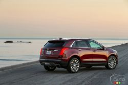 2017 Cadillac XT5 rear 3/4 view