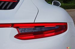 2017 Porsche 911 Carrera 4s tail light
