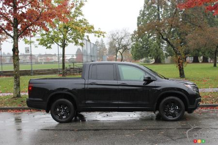 2017 Honda Ridgeline Black Edition pictures