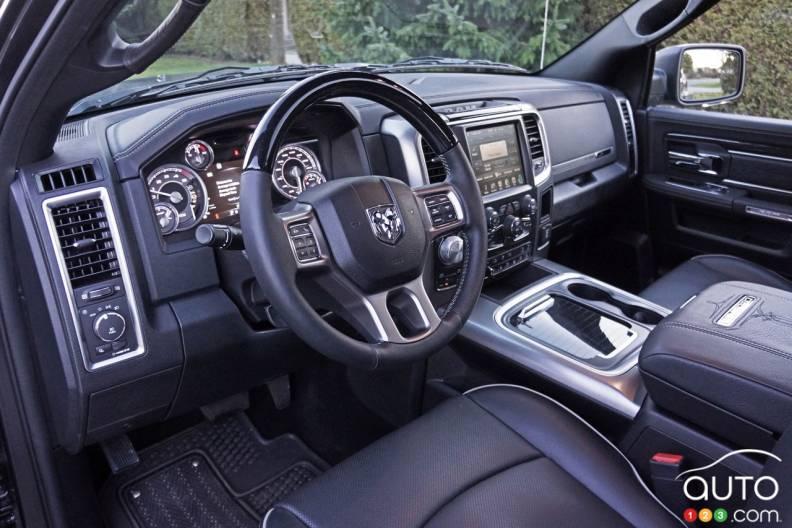 2017 ram 1500 ecodiesel crew cab laramie limited 4x4 pictures photo 4 of 43 auto123. Black Bedroom Furniture Sets. Home Design Ideas