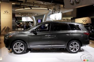 2013 Infiniti JX pictures at the Montreal Auto Show