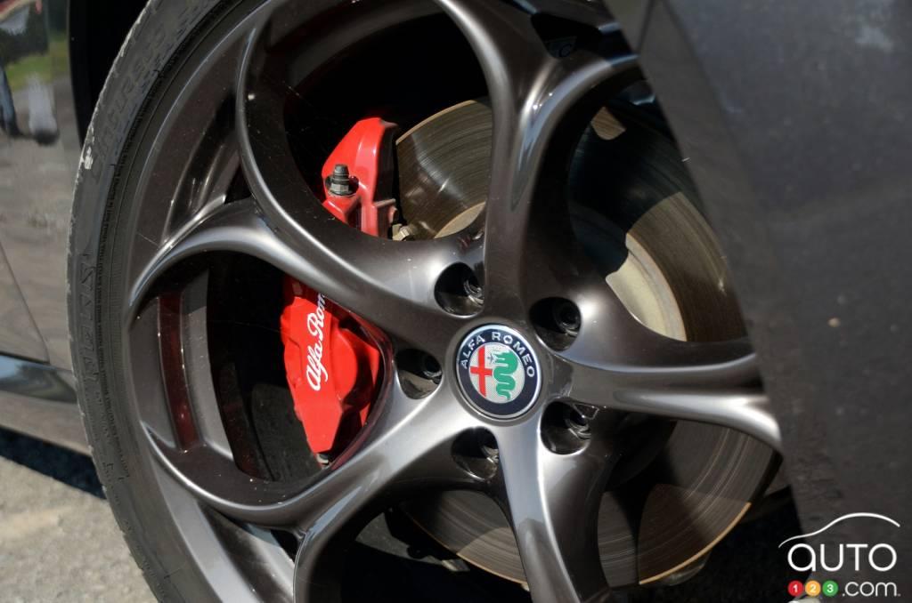 2017 alfa romeo giulia ti review and pricing car reviews auto123photos v aubé