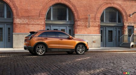 New 2019 Cadillac XT4 pictures