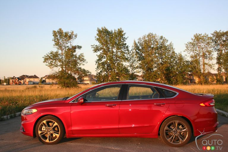2017 Ford Fusion Sport pictures