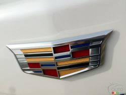 2016 Cadillac CT6 manufacturer badge
