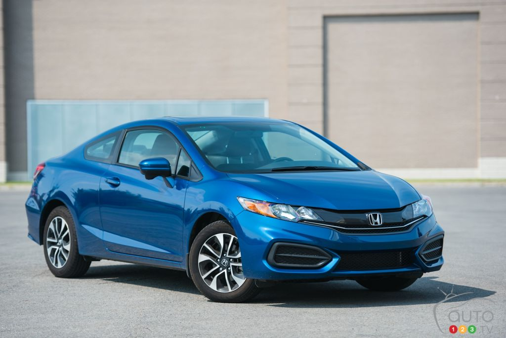 the 2015 honda civic ex coupe keeps making sense car news auto123. Black Bedroom Furniture Sets. Home Design Ideas