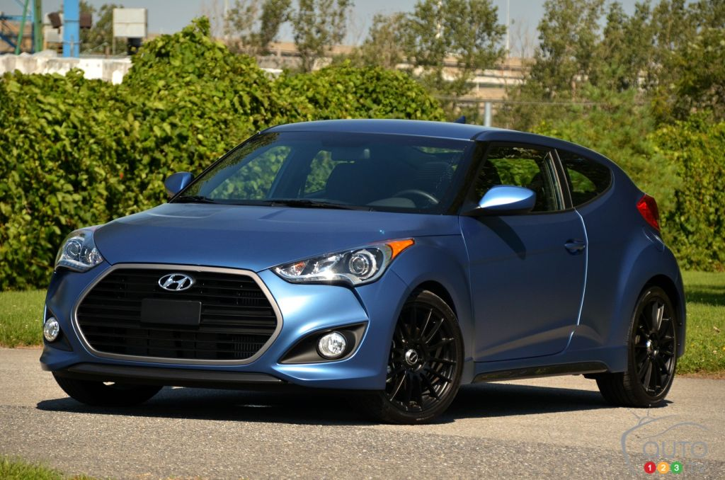 Fun Times With The 2016 Hyundai Veloster Rally Edition Car Reviews Auto123