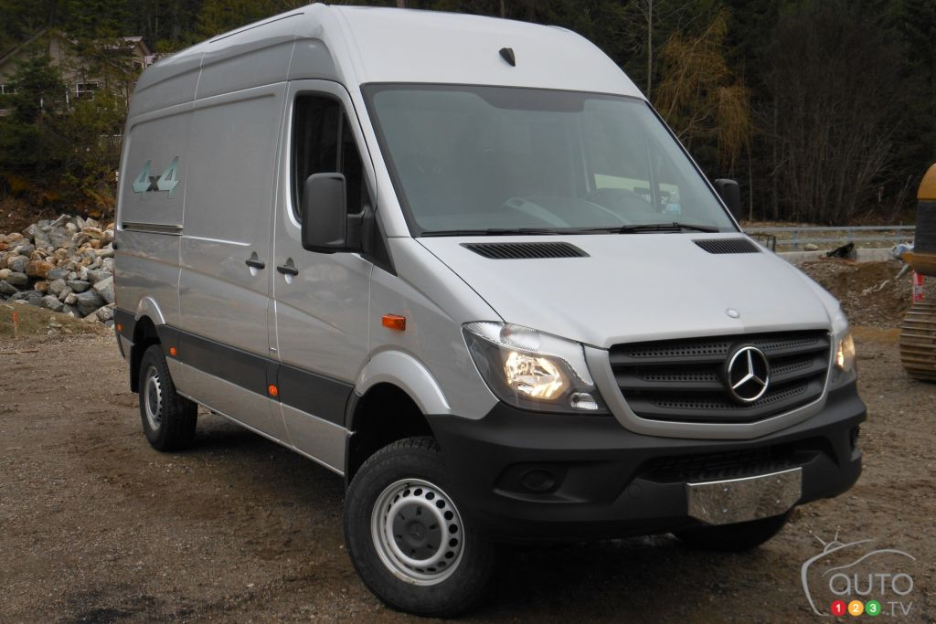 Car reviews auto123 for 2015 mercedes benz van