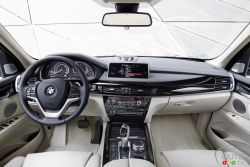 BMW X5 xDrive 40e dashboard