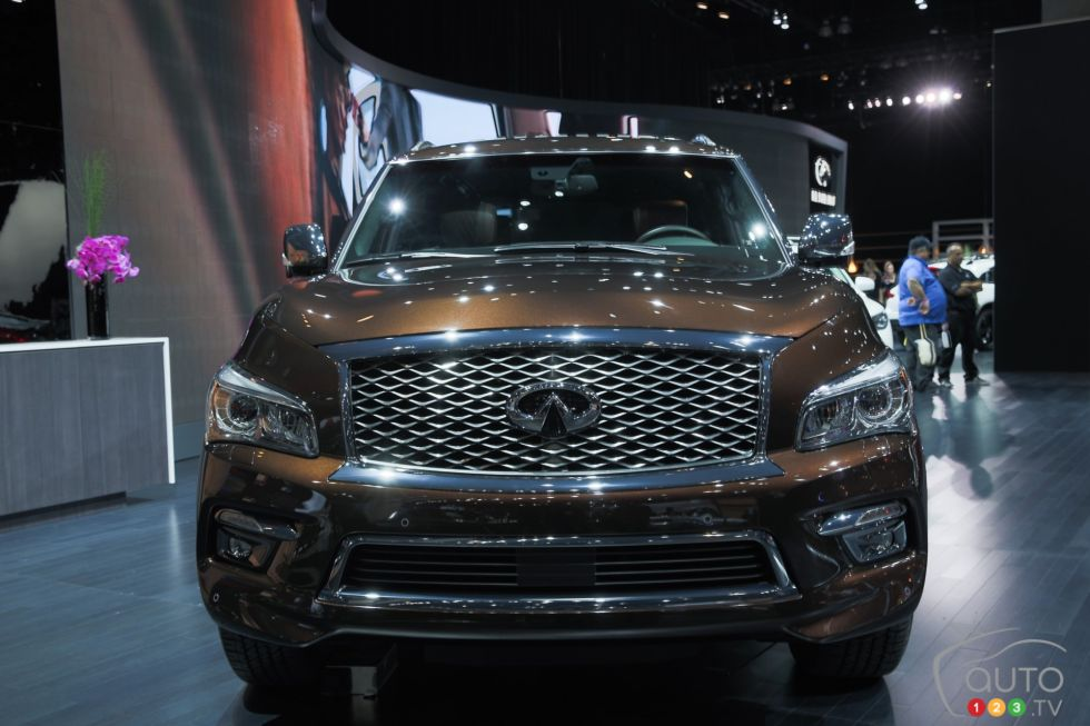 2015 infiniti qx80 limited pictures photo 11 of 15 auto123. Black Bedroom Furniture Sets. Home Design Ideas