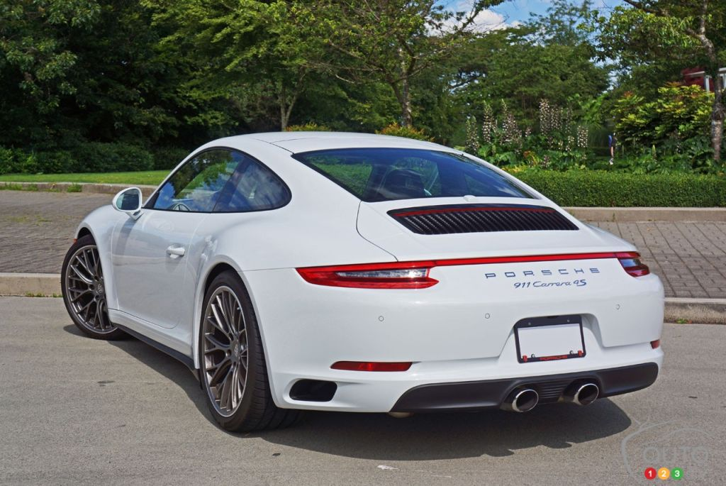 2017 porsche 911 carrera 4s is the best carrera yet car reviews auto123. Black Bedroom Furniture Sets. Home Design Ideas