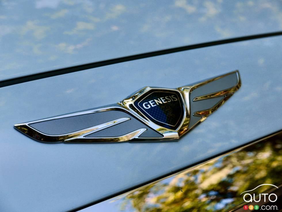 2017 Genesis G90 Pictures Photo 2 Of 19 Auto123