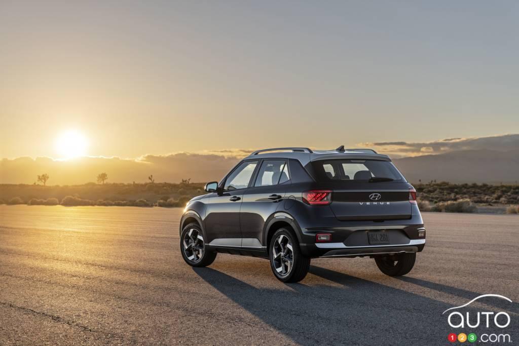 2020 Hyundai Venue: Design, Specs, Equipment, Price >> Small 2020 Hyundai Venue Crossover Makes Big Nyc Debut Car