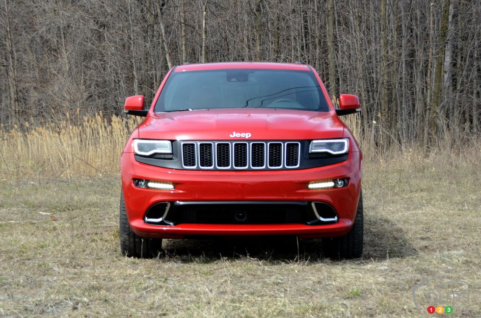 2016 jeep grand cherokee srt pictures auto123. Black Bedroom Furniture Sets. Home Design Ideas