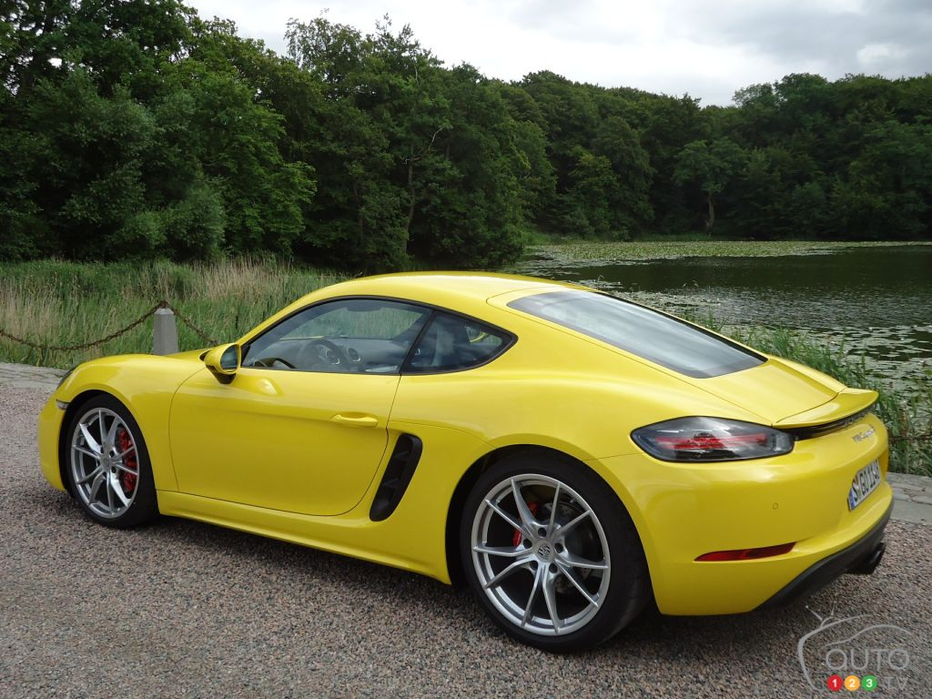 2017 porsche 718 cayman first drive car reviews auto123. Black Bedroom Furniture Sets. Home Design Ideas