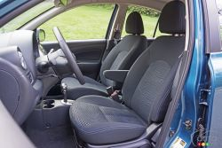 2016 Nissan Micra SR front seats