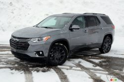2020 Chevrolet Traverse RS, angled side view