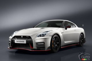 2017 Nissan GTR Nismo pictures