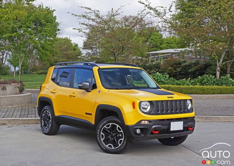 2016 jeep renegade trailhawk pictures auto123. Black Bedroom Furniture Sets. Home Design Ideas