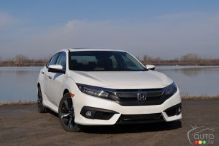 2016 Honda Civic Sedan Touring pictures
