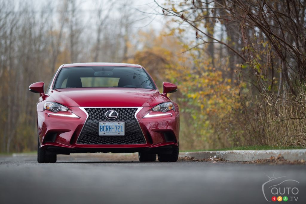 2015 Lexus IS350 AWD review Editor's Review | Car Reviews | Auto123