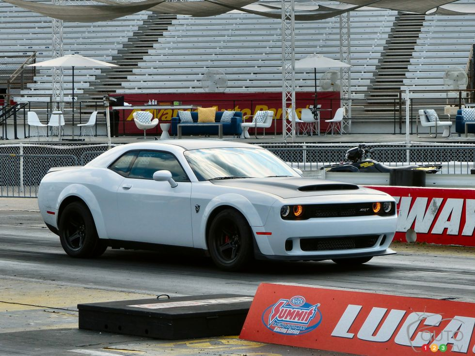 The 2018 Dodge Challenger Srt Demon And Other Srt Beasts Light Up