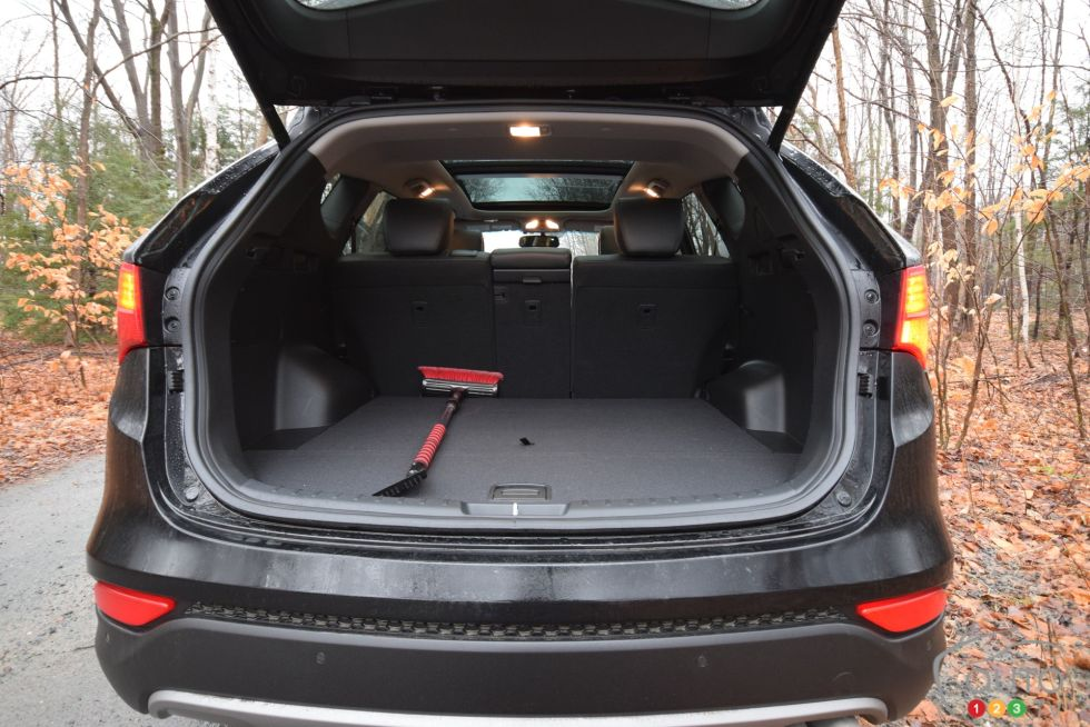 photos du hyundai santa fe sport photo 6 de 7 auto123. Black Bedroom Furniture Sets. Home Design Ideas