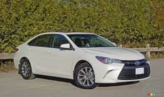 2016 Toyota Camry XLE pictures