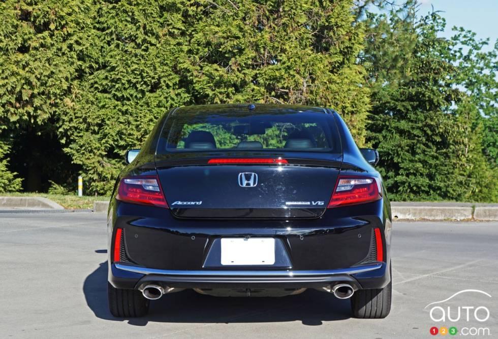 2016 honda accord touring v6 pictures auto123 for 2016 honda accord v6 horsepower