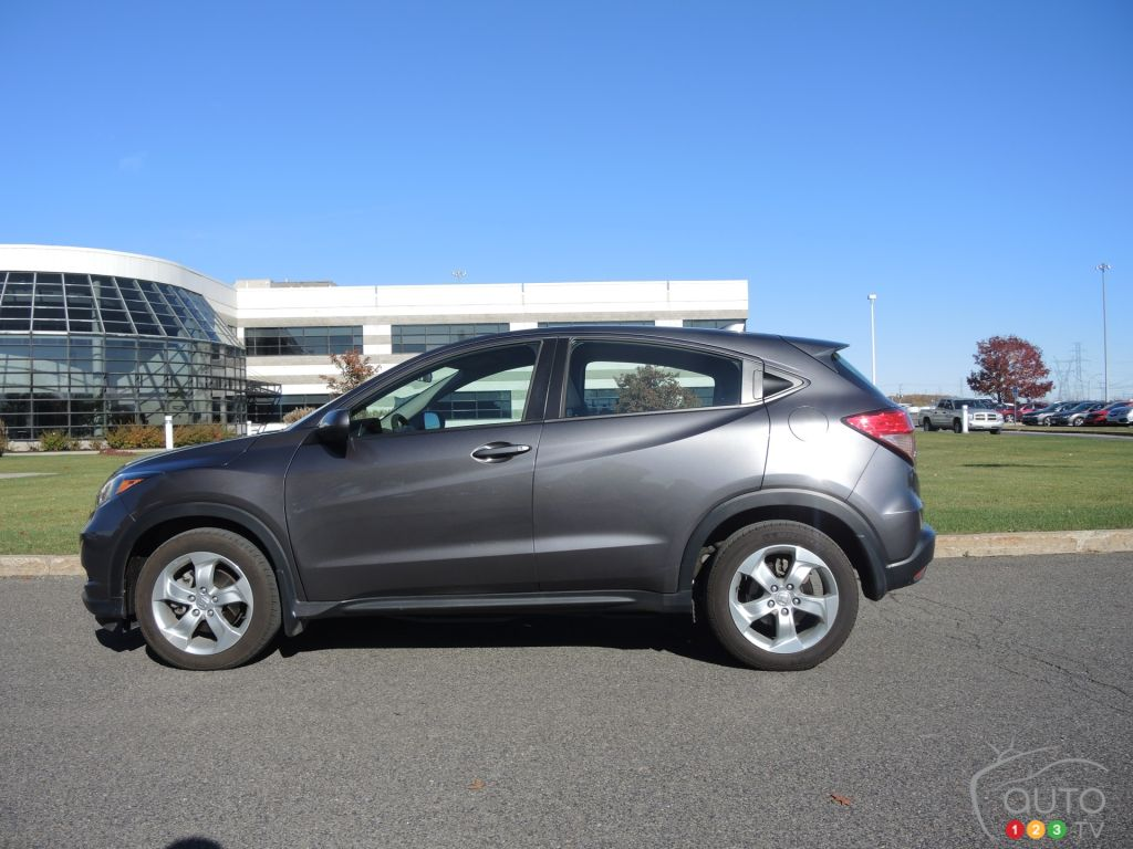 Comparison between honda fit and autos post for Compare honda crv and hrv
